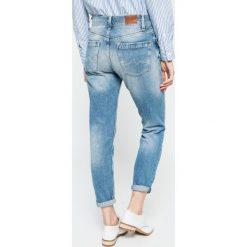 Pepe Jeans - Jeansy. Niebieskie boyfriendy damskie marki Pepe Jeans. W wyprzedaży za 299,90 zł.