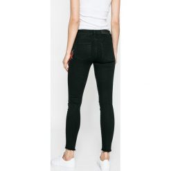 Noisy May - Jeansy Lucy. Czarne jeansy damskie rurki marki Noisy May, z bawełny. W wyprzedaży za 149,90 zł.