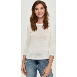 Lekki sweter - Kremowy. Białe swetry klasyczne damskie Sinsay, l. Za 39,99 zł.