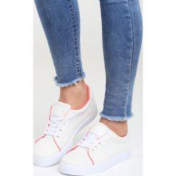 Białe Buty Sportowe The Space. Pomarańczowe buty sportowe damskie marki Born2be, z materiału. Za 59,99 zł.