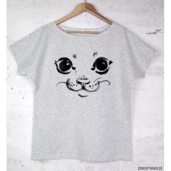 KOT koszulka bawełniana szara z nadrukiem. Szare bluzki nietoperze marki Pakamera, z nadrukiem, z bawełny. Za 87,00 zł.