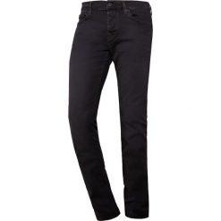 True Religion ROCCO Jeansy Slim Fit black denim. Niebieskie rurki męskie marki Tiffosi. W wyprzedaży za 450,45 zł.