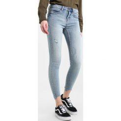 Noisy May NMLUCY  Jeans Skinny Fit light blue denim. Niebieskie rurki damskie Noisy May. W wyprzedaży za 197,10 zł.