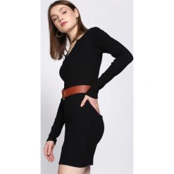 Czarna Sukienka Association. Czarne sukienki dzianinowe Born2be, l. Za 49,99 zł.