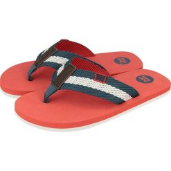 Japonki w kolorze czerwonym. Niebieskie klapki chłopięce marki geox kids, z gumy. W wyprzedaży za 29,95 zł.
