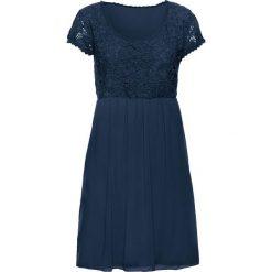 Sukienka z koronką bonprix ciemnoniebieski. Niebieskie sukienki koronkowe bonprix, na spacer, na lato, w koronkowe wzory, dopasowane. Za 149,99 zł.