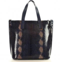 Włoska torebka z naturalnej skóry - MAZZINI SARITA granat snake. Czarne shopper bag damskie MAZZINI, w paski, ze skóry, na ramię. Za 339,00 zł.