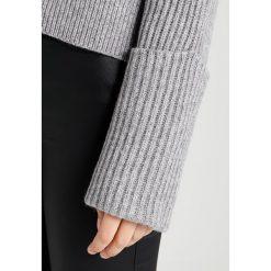 Swetry klasyczne damskie: AllSaints PIERCE CREW Sweter grey
