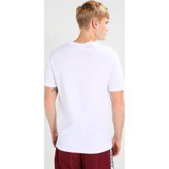 Wood Wood SQUARE Tshirt z nadrukiem bright white. Niebieskie koszulki polo marki Tiffosi. Za 229,00 zł.