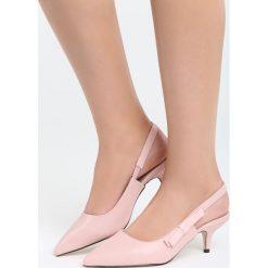 Różowe Sandały The Show. Czerwone sandały damskie marki Born2be, z materiału, na wysokim obcasie, na obcasie. Za 79,99 zł.
