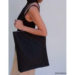 Torba pikowana flaming. Czarne torebki klasyczne damskie Pakamera, ze skóry, pikowane. Za 99,00 zł.