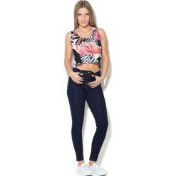 Colour Pleasure Koszulka damska CP-035 269 biało-różowo-czarna r. XL-XXL. Białe bluzki damskie marki Colour pleasure, xl. Za 64,14 zł.