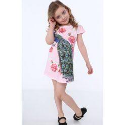 Sukienka z pawiem jasnoróżowa NDZ8128. Czerwone sukienki dziewczęce marki Fasardi. Za 49,00 zł.