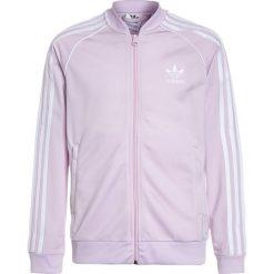 Adidas Originals Kurtka sportowa pink. Czerwone kurtki dziewczęce marki Reserved, z kapturem. W wyprzedaży za 179,10 zł.