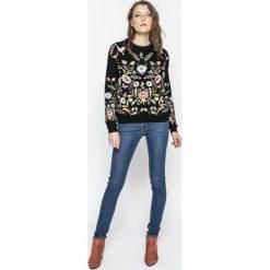 Levi's - Jeansy 711. Brązowe jeansy damskie marki Levi's®, z obniżonym stanem. Za 369,90 zł.