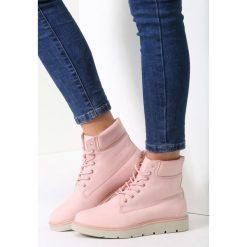 Różowe Traperki See For Miles. Czerwone buty zimowe damskie vices. Za 99,99 zł.