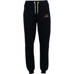 Stone Goose Spodnie Dresowe Męskie Montclean S Czarny. Czarne spodnie dresowe męskie Stone Goose, z dresówki. W wyprzedaży za 149,00 zł.