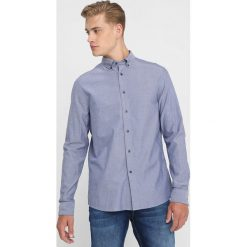 Calvin Klein GALDO LOGO OXFORD FITTED Koszula blue. Pomarańczowe koszule męskie marki Calvin Klein, l, z bawełny, z okrągłym kołnierzem. Za 349,00 zł.