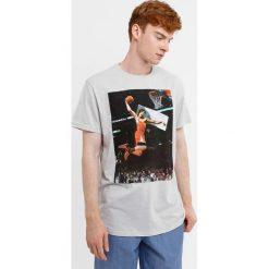 Męski T-shirt MF Basketball. Niebieskie t-shirty męskie marki bonprix, m, z nadrukiem, z klasycznym kołnierzykiem, z długim rękawem. Za 49,99 zł.
