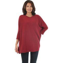 Sweter w kolorze czerwonym. Czerwone swetry klasyczne damskie marki L'étoile du cachemire, z kaszmiru, z okrągłym kołnierzem. W wyprzedaży za 129,95 zł.