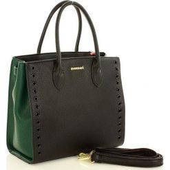 MONNARI Intrygująca torebka kuferek czarny z zielonym. Czarne kuferki damskie Monnari, w paski, ze skóry ekologicznej, na ramię. Za 179,00 zł.