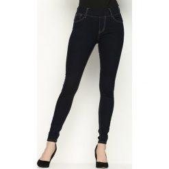 Granatowe Jeansy Flat. Szare jeansy damskie Born2be. Za 59,99 zł.