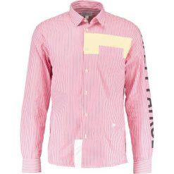 Koszule męskie na spinki: Soulland WILCHER APPLICATIONS  Koszula red stripes