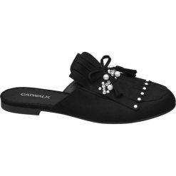 Klapki damskie Catwalk czarne. Czarne klapki damskie typu mules Catwalk, z materiału, na obcasie. Za 83,00 zł.