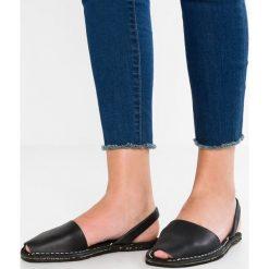 Solillas RUSTIC Sandały black. Czarne sandały damskie Solillas, z materiału, z otwartym noskiem. W wyprzedaży za 169,50 zł.