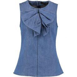 Banana Republic DRAPED BOW TOP Bluzka medium wash. Niebieskie bluzki damskie marki Banana Republic. W wyprzedaży za 164,50 zł.