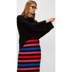 Answear - Sweter. Szare swetry klasyczne damskie marki ANSWEAR, l, z dzianiny, z okrągłym kołnierzem. W wyprzedaży za 69,90 zł.