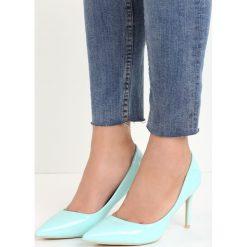 Niebieskie Szpilki Killer Heels. Niebieskie szpilki marki Mohito. Za 69,99 zł.