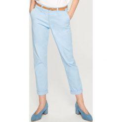 Spodnie chino - Niebieski. Niebieskie spodnie chłopięce marki Reserved. W wyprzedaży za 29,99 zł.