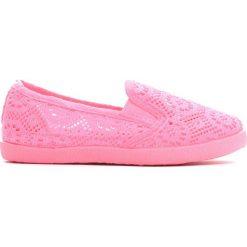 Ciemnoróżowe Tenisówki Lace Punching. Różowe buty sportowe dziewczęce Born2be, z materiału, z okrągłym noskiem. Za 24,99 zł.