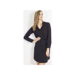 Sukienka Amara Czarna. Czarne długie sukienki marki Wow fashion, w paski, z tkaniny, z asymetrycznym kołnierzem, z długim rękawem, asymetryczne. Za 239,00 zł.