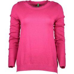 Sweter w kolorze różowym. Czerwone swetry klasyczne damskie marki Benetton, xs, z bawełny, z okrągłym kołnierzem. W wyprzedaży za 54,95 zł.