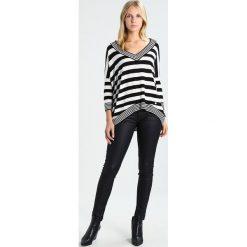 Swetry klasyczne damskie: Gaudi Sweter black/white