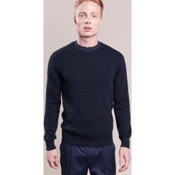 Swetry klasyczne męskie: J.LINDEBERG DEXTER Sweter navy