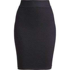 Spódniczki ołówkowe: JUST FEMALE GREASE Spódnica ołówkowa  black