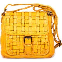 Torebki klasyczne damskie: Skórzana torebka w kolorze żółtym – 21 x 19 x 7 cm