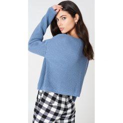 Josefin Ekström for NA-KD Krótki sweter z dzianiny - Blue. Niebieskie swetry klasyczne damskie Josefin Ekström for NA-KD, m, z dzianiny. Za 161,95 zł.