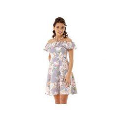 Rozkloszowana sukienka w stylu hiszpanki szara ED018-3. Szare sukienki hiszpanki marki Molly.pl, l, w koronkowe wzory, z koronki, eleganckie, z dekoltem typu hiszpanka, z krótkim rękawem, midi, dopasowane. Za 289,00 zł.