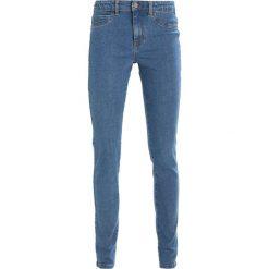 Envii ENBLAKE Jeansy Slim Fit clear blue. Niebieskie rurki damskie Envii. W wyprzedaży za 160,30 zł.