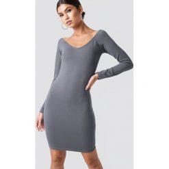 Nicki x NA-KD Dopasowana sukienka z odkrytymi ramionami - Grey. Niebieskie sukienki mini marki Reserved, z odkrytymi ramionami. Za 161,95 zł.