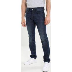 Armani Exchange Jeansy Slim Fit denim indaco. Czarne jeansy męskie relaxed fit marki Armani Exchange, l, z materiału, z kapturem. W wyprzedaży za 367,20 zł.