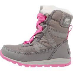 Sorel WHITNEY SHORT LACE Śniegowce quarry/pink ice. Szare kozaki dziewczęce Sorel, z materiału. W wyprzedaży za 207,35 zł.