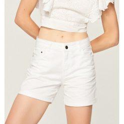 Szorty damskie: Białe jeansowe szorty – Biały