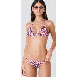 J&K Swim X NA-KD Dół bikini z cienkimi paskami - Pink. Różowe bikini J&K Swim x NA-KD, w paski. W wyprzedaży za 26,48 zł.