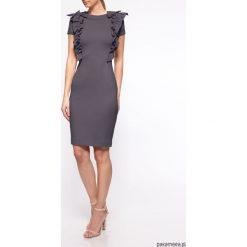 Sukienka ołówkowa YY200311_RAL7043 Yuliya Babich. Szare sukienki balowe Pakamera, na co dzień, z klasycznym kołnierzykiem, midi, ołówkowe. Za 480,00 zł.
