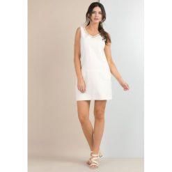 Sukienki: Lniana sukienka ze zdobionym dekoltem